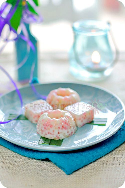 Cantik Manis Recipe (Indonesian Sweet Pretty Cake or Sago Pearl Cake)