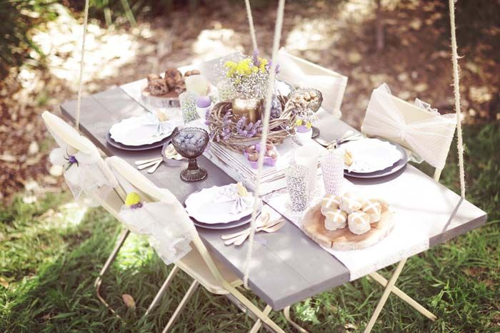 swing table - lilac and gold color palette gave a relaxed and chic look