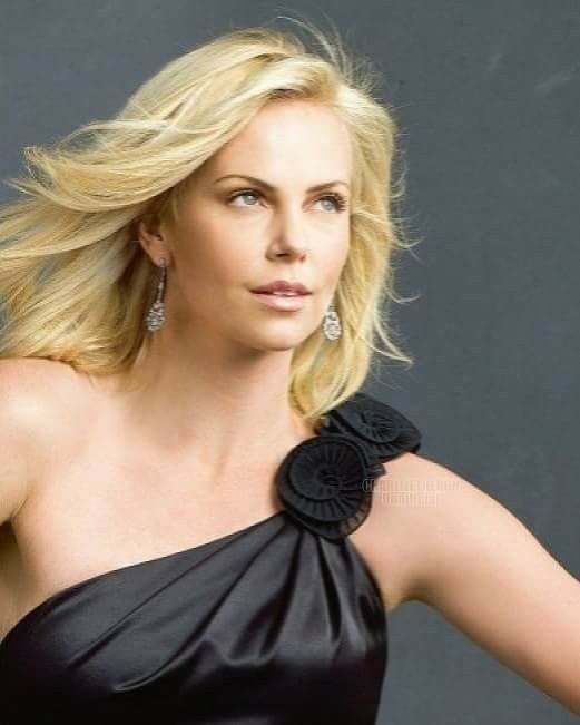 Charlize Theron Ny Blondes: Best 25+ Blonde Actresses Ideas On Pinterest
