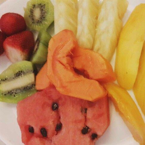 Muy buen Miércoles bellas! ☆  Qué tal si hoy apostamos a un desayuno nutritivo y completo para estar más saludable y activo? #sofiadegrecia #fruits #breakfast