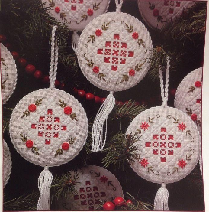 Linda Driskell: Heirloom Christmas Ornaments Hardanger Snowflakes & Flowers #LindaDriskell #Hardanger