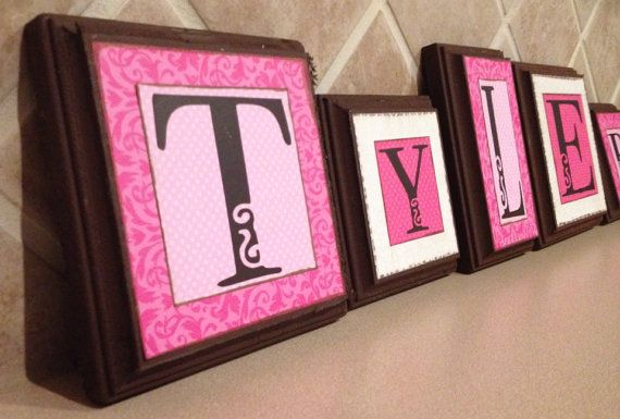 Kind Baby Namen Briefe, hängende Wand Buchstaben, Kind Wand Dekor, Kinderzimmer Dekoration, Baby Name Zeichen, Namen Blöcke, benutzerdefinierte Geschenk, Rosa, braun auf Etsy, 6,04€
