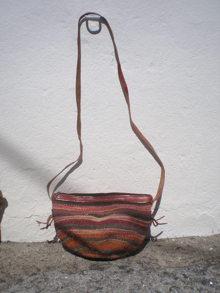 Sisal Vintage Shoulder Bag - Vintage Sisal Leather Bag- Woven Sisal bag 70's / 80's Boho Chic by OficinaDartesa on Etsy