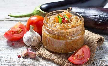 Sie suchen noch einen leckeren Brotbelag oder einen passenden Dip? Hier finden Sie alle Zutaten und die Zubereitungsanleitung für diesen köstliche Auberginen-Tomaten-Aufstrich.
