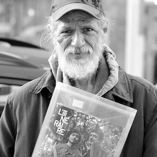 #Retrospective Gaetan, camelot au metro Bonaventure, photographié l'an dernier par @magicthatinspires #journalderue #litineraire #jaimemoncamelot