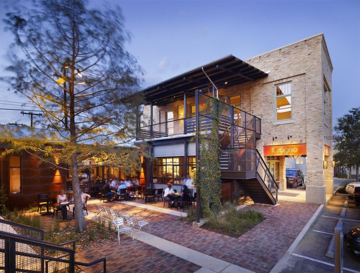 Located near downtown San Antonio, this 3,400 square foot Italian restaurant reinforces the Pearl Brewery Redevelopment as a culinary destination. The design goal was to create an atmosphere that would have adhoc qualities reminiscent of Italian markets. From the main entry, the entire kitchen is visible to patrons, to create an interactive dining experience.