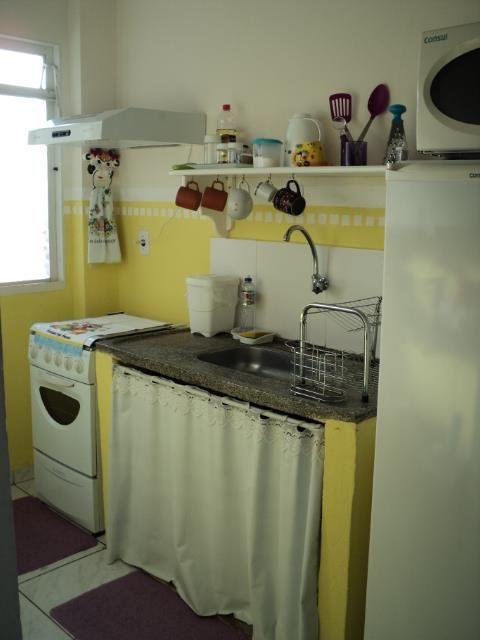 Mesmo com pouco dinheiro dá pra deixar a casa com carinha de lar... Tinta na parede e alguns itens decorativos já muda tudo!