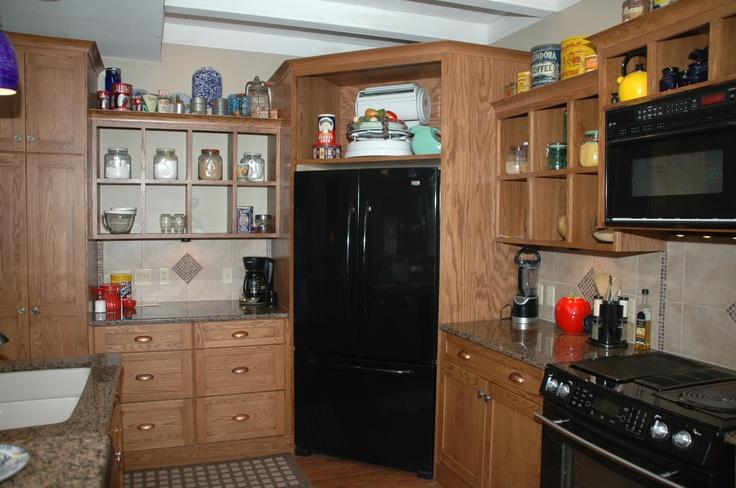 холодильник в углу кухни фото коллеги, вас