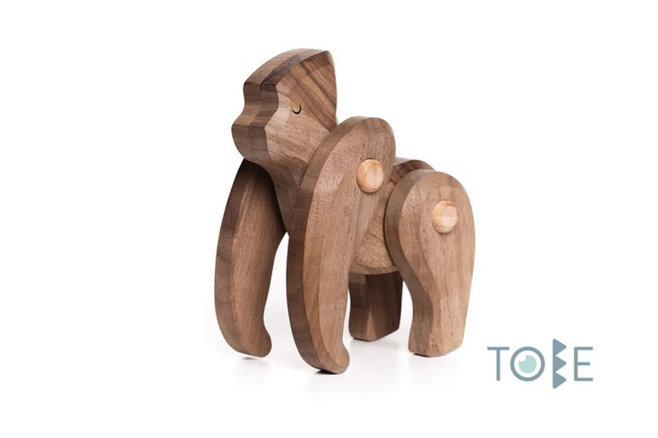 Gorilla -  The leader of the group Walnut wood