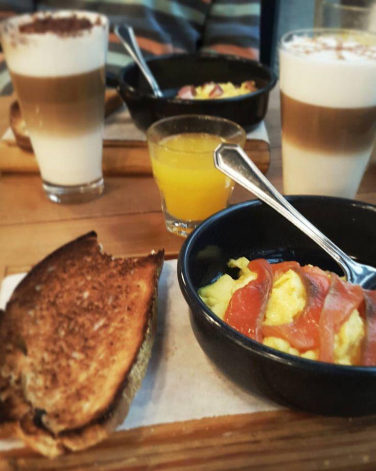 Sábado, llueve y qué mejor que un buen café con huevos revueltos en un lugar como @nanarestaurant más si es de la mano de #Nespresso y su #Coffee&MilkTour 😀😀😀