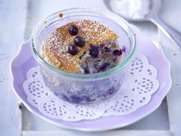 Ein Kuchen im Glas ist leicht gemacht. Welche Gläser sich eignen, welchen Teig man wählt und viele weitere Tipps, die beim Backen helfen, haben wir hier für Sie zusammengestellt.
