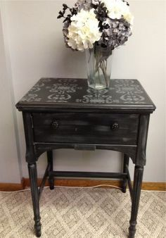 sewing machine cabinets reporposed | Repurposed Singer Sewing Machine Table