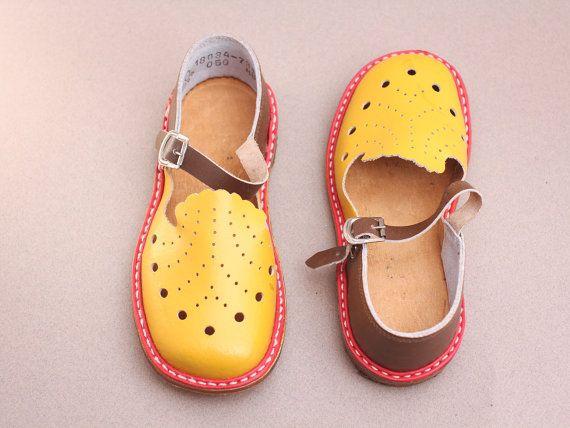 vintage toddler sandal