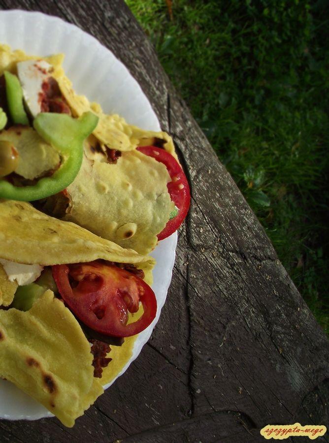 Kukurydziane tortille z pastą meksykańską |