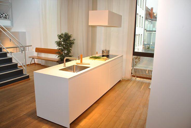 Novy cube inselhaube in einer k che von bulthaup meya for Interior design bielefeld