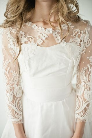 Annette Chaviano Couture indie  wedding dress - utterly stunning.