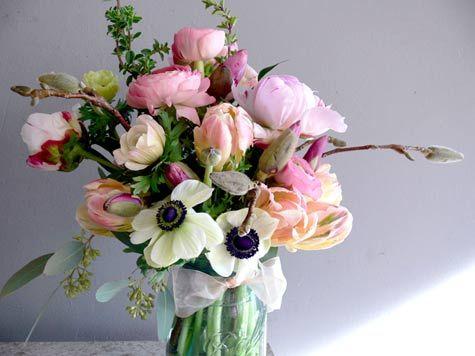 A ranunculus bouquet.: Anemones Bouquet, Wedding Bouquets, Color, Wedding Flowers, Bouquets Ideas, Pink, Ranunculus Bouquet, Peonies