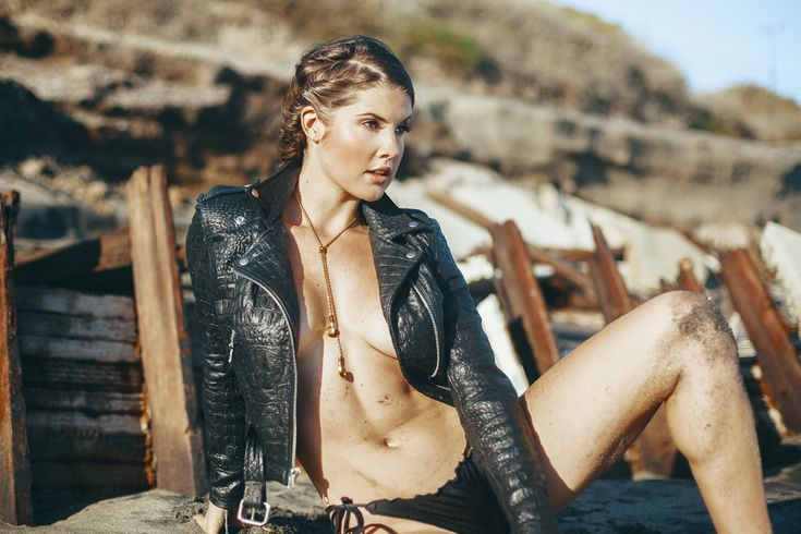 "Amanda Cerny ""Summer is Over "" Editorial by Mat Abad. #novumcollection #highsnobiety #luxury #gold #jewelry"