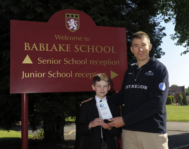 Sam Lowe, the KS2 winner of the Young Sports Reporter of the Year, receiving his award from new Oxford University Boat Club President Malcolm Howard. Click on the pic for this year's programme. #edchat #educhat #classroom #engedu