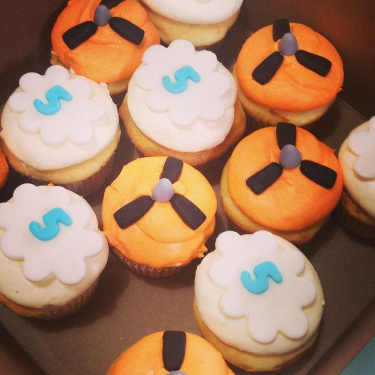 Disney Planes themed cupcakes (coordinating w/ cake)