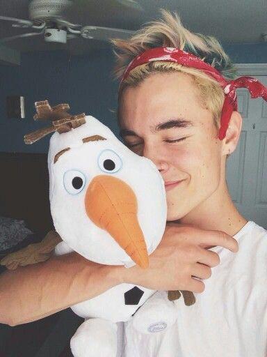 Kian Lawley O2L HES GOT OLAF!!!!!
