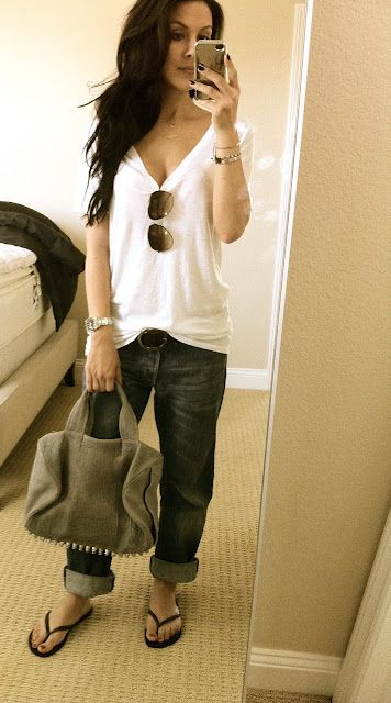 Casual outfit, loose T, boyfriend jeans and flops-c'mon spring!!!!
