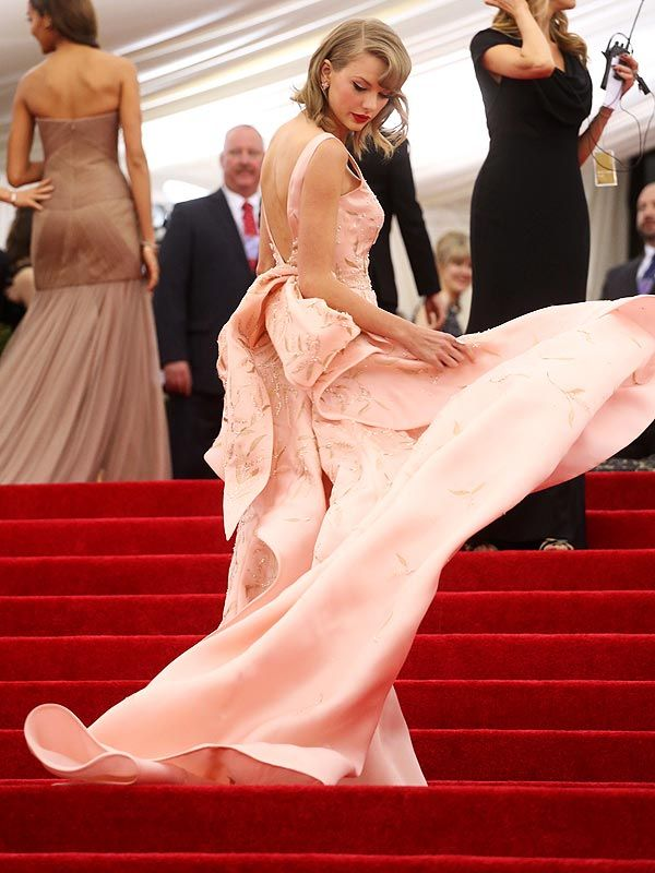 Taylor Swift on Her Cat's Attempt to Destroy Her Met Gala Dress: It Was Like a Crocodile Attacking an Antelope on National Geographic