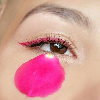 ��Pink liner and flower petals�� • • • • • • • • • • • • •  #art #artist #makeup #eyes #eye #liner #black #eyeliner #artistic #like #make #up #makeupartist #mua #makeupbyme #lashes #brows #mascara #pink http://ameritrustshield.com/ipost/1542069849528996962/?code=BVmiFugBBRi