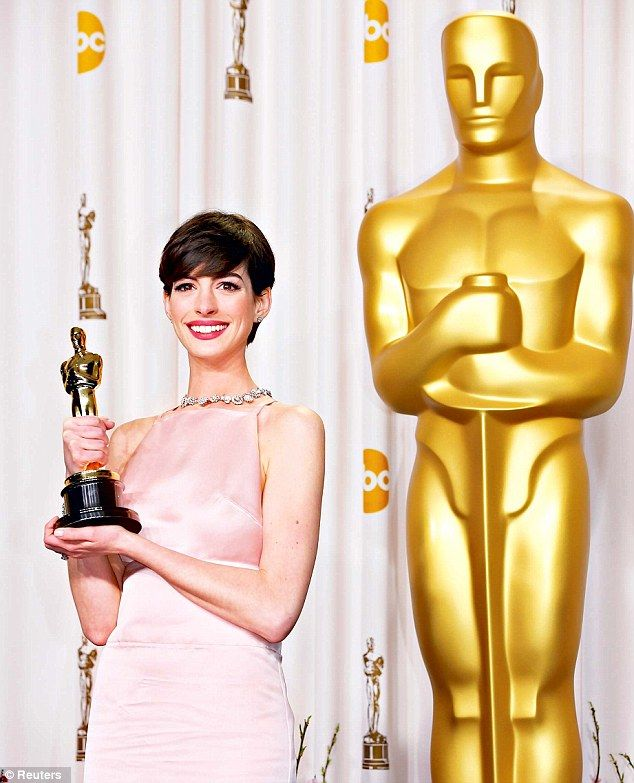 2376 Best Images About Anne Hathaway On Pinterest