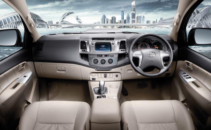 Toyota Hilux 2014 - Interior.