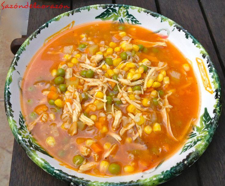 Deliciosa, nutritiva y muy completa.Ingredientes para 5 platos de sopa bien servidos.Ingredientes necesarios:* 1 taza de elotes amarillos descongelados* 1 taza de chícharos descongelados ( me gusta…