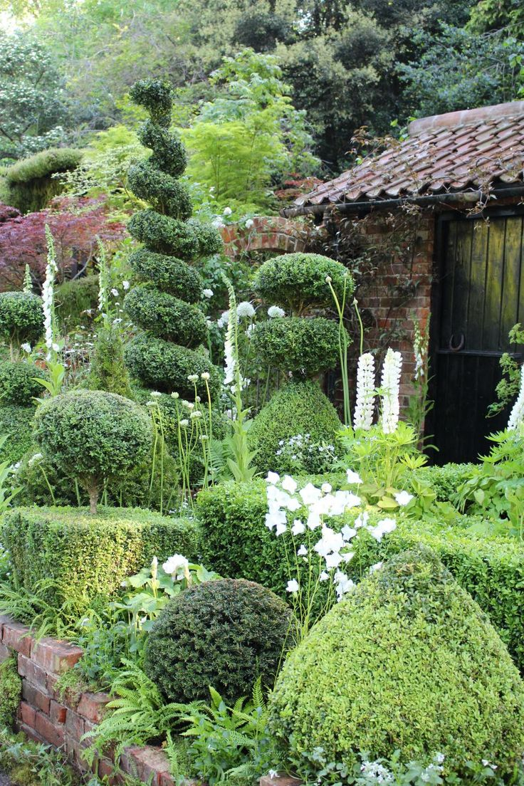 883 best images about garden paths on pinterest shade garden - Cottage Garden Topiary At The 2014 Chelsea Flower Show