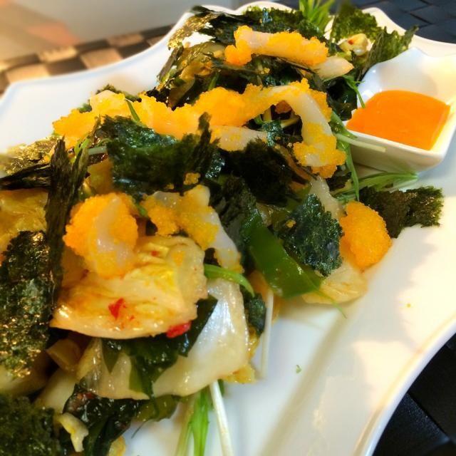 「パティスリーパーティー」まあやちゃんのパーティーで教わった一品で、とくに大好きです! 白菜の美味しい時期に食べたいですね〜 鯛のお刺身が高かったので、中華くらげにしました〜 ヽ(*^∇^*)ノ - 109件のもぐもぐ - 志野さんの料理                             まあやちゃんに教わった!             自家製キムチと中華くらげサラダ     海苔たっぷり♡                           黄身ソース付き by 1125shino