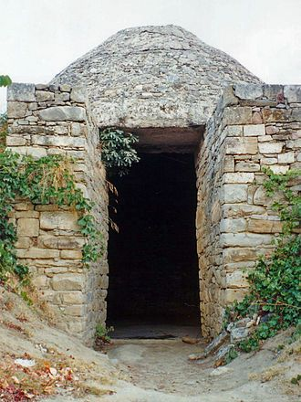 """Pylos has evidence of continuous human presence dating back to the Neolithic Age. In Mycenaean times, it was an important centre, Nestor's kingdom of """"sandy Pylos"""", as recalled by Homer in Book 17 of the Odyssey;Mycenean tomb, Palace of Nestor"""