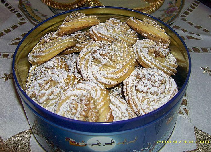 Walnuss - Plätzchen, ein sehr schönes Rezept aus der Kategorie Kekse & Plätzchen. Bewertungen: 32. Durchschnitt: Ø 4,4.