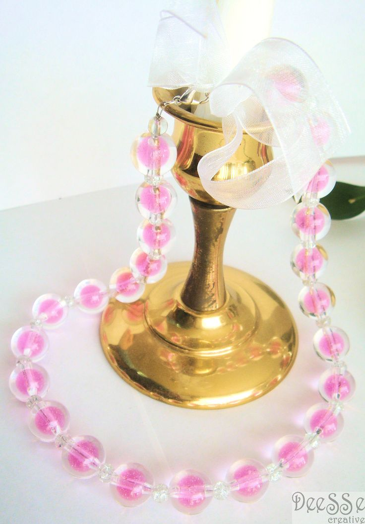 Short pink necklace