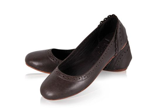 Hey, I found this really awesome Etsy listing at https://www.etsy.com/listing/185045635/uluwatu-dark-brown-shoes-leather-flats