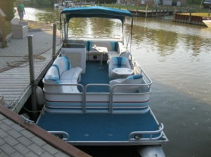 1995 Manitou Ltd 24' Pontoon Boat w/40hp Merc Seats 12+ - London Powerboats, Motorboats For Sale - Kijiji London Canada.