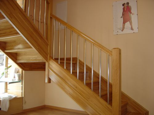 1000 ideas about banisters on pinterest stairs - Escaleras interiores de madera ...