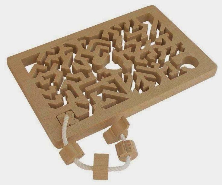 Dřevěné hračky Ginga Kobo Toys nezapřou chytré japonské mozky. Skládanky, puzzle a hravé labyrinty vyrábějí v příručním i nadživotním měřítk...