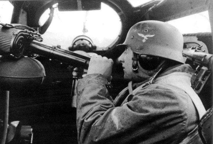 фото немецких летчиков второй мировой погибших пока устанавливается