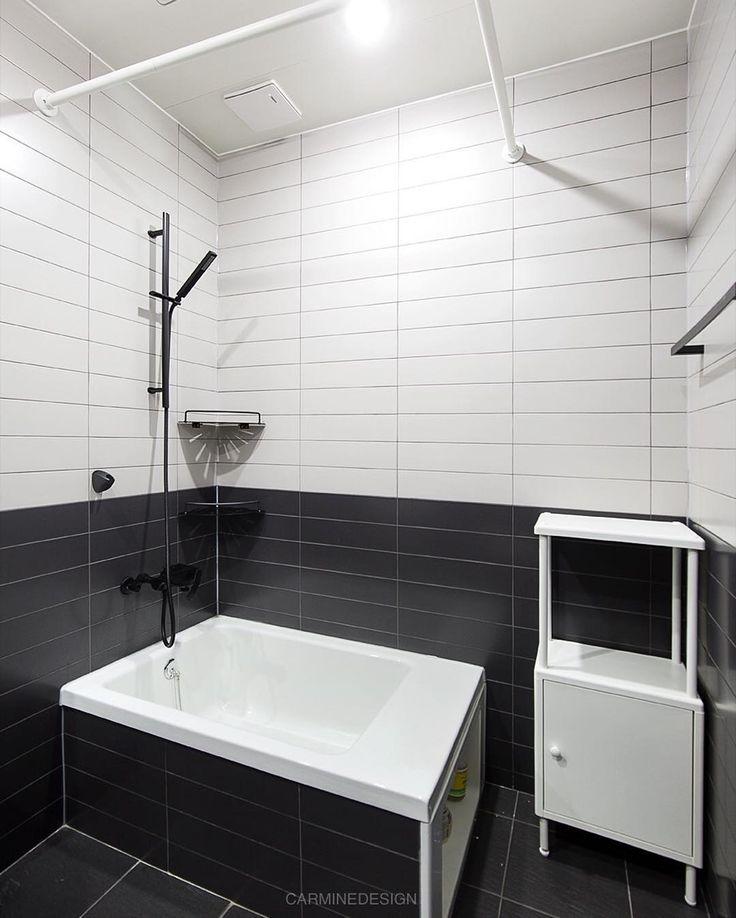 Instagram photo 2017-05-10 11:00:30 도곡렉슬 투톤 시공에 아이를 위한 미니 욕조 Shower-Tub 욕조 안이 깊지 않아 안전하게 목욕과 물놀이를 할 수 있어요 #interior #interiordesign #inspiration #bath #bathroom #tile #home #인테리어 #인테리어디자인 #욕실 #욕실인테리어 #대림바스 #욕조 #미니욕조 #타일 #윤현상재 #이케아 #집 #집스타그램 #홈스타그램 #집꾸미기 #카민디자인