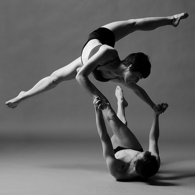 Dance Photography, Contemporary Dance, Dance Dance, Dance Studios, Beautiful, Dance Photos, Modern Dance, Partner Work, Ballet