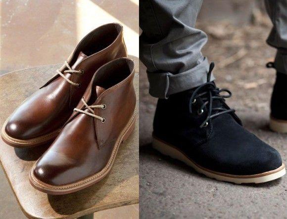 botas-chukka-boots Também conhecida como desert boots, as botas Chukka podem ser de couro ou de camurça na parte de cima, com solado de couro ou borracha e cordão para amarrar. O nome vem de uma etapa do jogo de pólo, que é divido em seis períodos (ou chukkas).