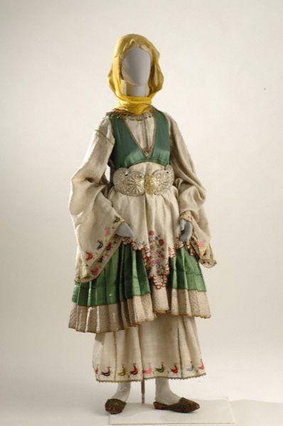 Τρίκερι, Θεσσαλία  Wedding costume from Trikeri,Thessaly