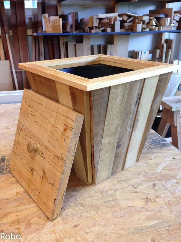 Pallet Trash Can Boxes & Chests