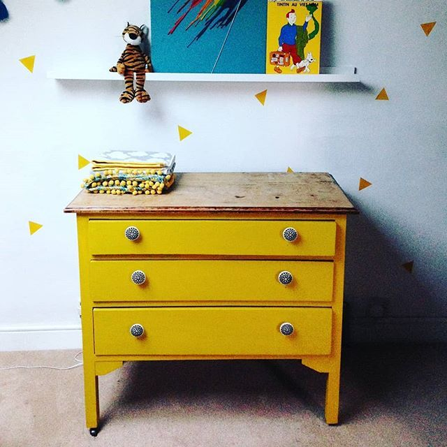 Its DAY 13 and the upcycled mustard drawers strike again! NICE DRAWERS for todays #myhousethismonth . #mydiymydecor #myspringrevamp #dailydecordetail #howivintage . . . . #instahome #myhshome #colourmyhome #mustard #yellow #diy #nursery #nurseryinspo #nurserydecor #interiors #interiordesign #interiordecor #interior123 #colourfulinteriors #upcycle #victorianhouse #interior144 #interiorboom #hyggehome #toddlerlife #toddlerroom @littlehouseinlondon