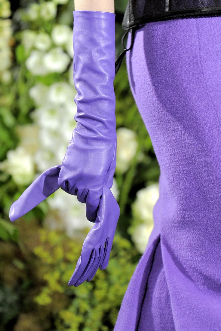 Best driving gloves ever - Runway Gloves Christian Dior Haute Couture F W 2009