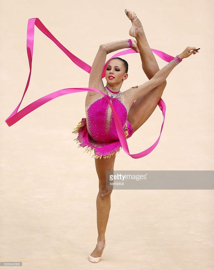 Daria Dmitrieva ( RUS ) Olympische Sommerspiele 2012 London : Rhythmische Gymnastik Einzel Band Wembley Arena Olympic Summer Games 2012 London : Gymnastics Rhythmic Individual ribbon All-Around