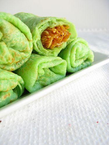 Dadar Unti (palm sugar-coconut crepes)